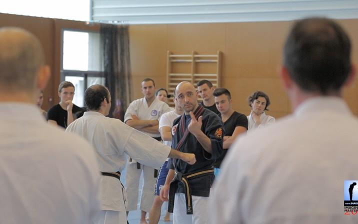Le sens du détail avec Serge Rebois pour le Kyusho - travail sur les points vitaux